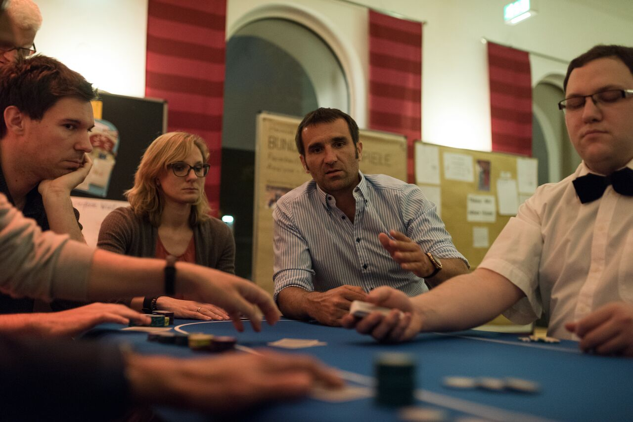 Yunyty - Poker Event – Play with the Champions