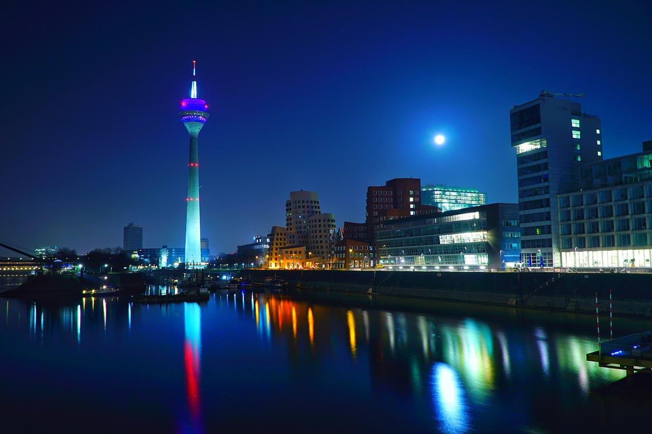 Weihnachtsfeier In Düsseldorf.Coole Ideen Für Ihre Weihnachtsfeier In Düsseldorf Finden Sie Auf Yunyty